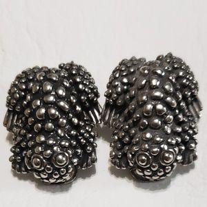 Jewelry - Vintage frog silver tone earrings